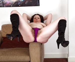 Stellar brunette mature Jenna having a good time undressing