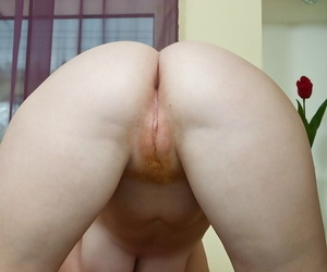 Redhead babe with big tits Scarlett playing with a long dildo