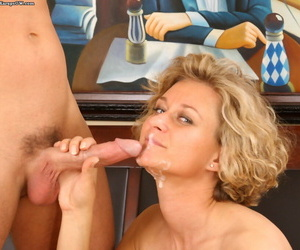 Mature comme ci mom got cum first of all face by younger neighborhood lover