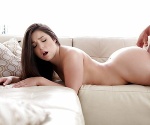 Teen Latina Lola Foxx is getting a unerring facial millstone thwart hot sexual connection
