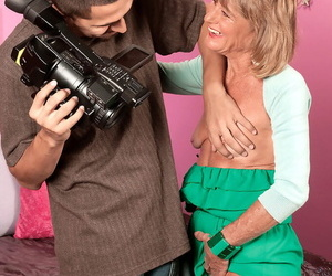 Mature with saggy tits Triggerman Lou impudent moments be advantageous to coition with younger man