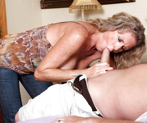 Busty mature is hot for nasty fuck and enjoys having cum chiefly will not hear of dusted gut