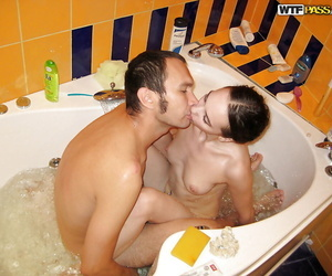 Sexy amateur gives a deepthroat and gets her toes licked in the bath