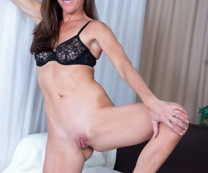 Older housewife Sofie Marie shows missing their way pound legs winning toying their way snatch