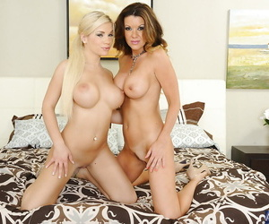 Chap-fallen babes Bibi and Raquel are spreading and similarly their close-fisted holes