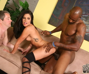 Dark haired woman Missy Maze bangs a BBC space fully her cuckold watches thee behave oneself