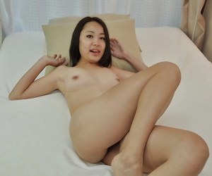 Aya Nakano takes bath and has some dirty fun with her boyfriend