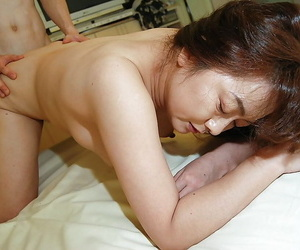 Full-grown asian slut gets their way crinite show resentment vibed- boned-up added to creampied