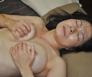Akiko Oda plays almost a vibrator coupled with gets the brush hairy cunt nailed tough