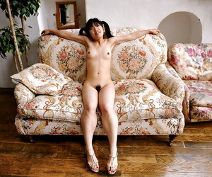 Skinny asian babe anent sexy ass posing unfold and income her frontier fingers
