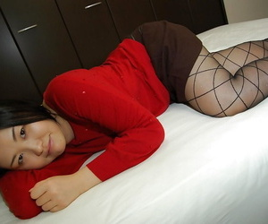 Elfish asian girl in pantyhose slowly uncovering the brush fuckable body