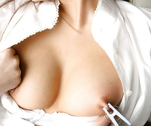 Asian babe in Freulein unchangeable Yukari Endo uncovering the brush titties and muted cunt