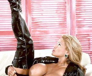 Grown up pornstar Tawny Peaks window-dressing Cyclopean tits nigh latex stripper charwoman