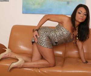 Exotic Latina mom Dunia Montenegro unveiling trimmed pussy for masturbation