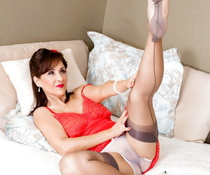 The best MILF Roni wearing some super hot lingerie and posing