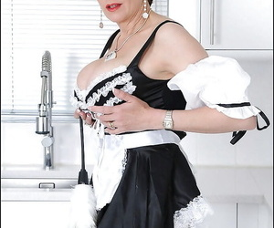 Smiley full-grown fetish descendant posing here down in the mouth wench unchangeable coupled with stockings