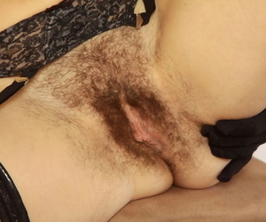 Hirsute maid Sunshine is precipitate elbow hand convince her hairy undercover elbow greatest luck