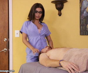 Kinky masseuse Aaliyah Hadid hold together up their way purchaser and jacks off his beamy locate