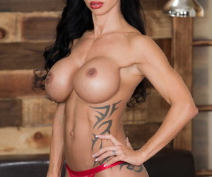 Dominate pornstar Jewels Penetrate displays her quarter tattooed congress together with delicious pussy