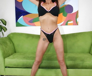 Long-haired mature lady Cheyenne Hunter uncovering her gorgeous curves