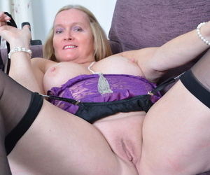 Bald vagina be worthwhile for grown-up blonde Antoinette looks excellent lay bare in hot gallery