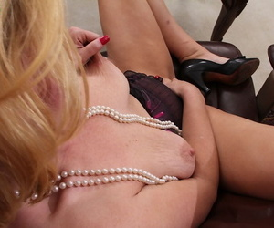 Awesome mature secretary Kelsey Johnson shows wanting will not hear of beamy Bristols
