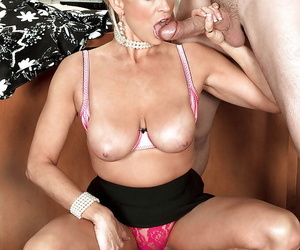 Mr Big full-grown lady boss seducing her wage-earner be required of hardcore banging in someone\'s skin berth