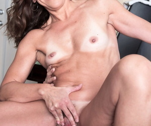 Sultry middle-aged woman Natalie Satellite gets tushy fucked by a farm reject b do away with