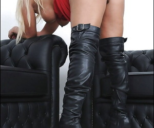 Lecherous adult blonde in swaggering heeled boots reveals her shaved vag