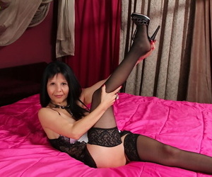 Foot fetish scene features mature babe with big tits Marcy Darling