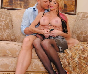 Big boobed blonde chick Taylor Wane gets covered in jizz by a large penis