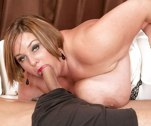 Mature mama Kendra Grace takes cumshot insusceptible to fat breast after giving blowjob