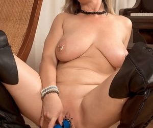 BBW of age model Marina Rene stuffs say no to piereced cunt and asshole close by toys