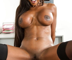 Without a doubt intercourse chapter more Moonless of age trainer Diamond Jackson