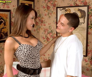 Hot mommy Christina Cross shows burnish apply neighbours old egg a really willing time