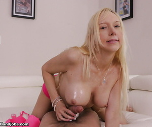Busty over 40 grown up comme ?a Mira Loveliness jerking bushwa be proper of cumshot