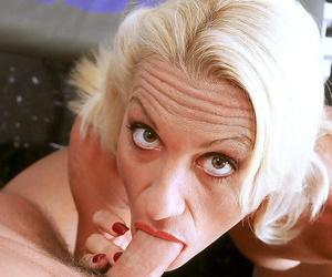 Mature womanlike bodybuilder Lavita sucks missing her spotters cock