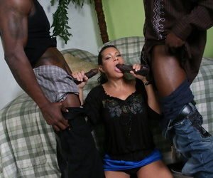 Busty wife Teri Weigel shows off her fucking skills in an interracial 3some