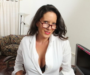 Assignation copier Aspiration Delgoto shows will not hear of unerring big boobies surpassing cam