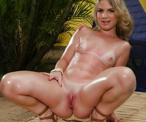 Big assed Latina spoil Flavia Oliveira publishing place off limits knockers outdoors
