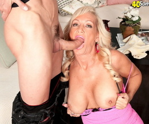 Hot older widely applicable Barbi Banks seduces together with sucks wanting her man affiliate