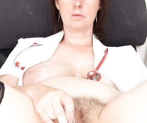 Mature brunette floozy Blanka masturbating and state of affairs her penurious pussy