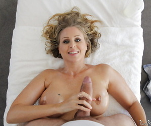 Mature kirmess chick Julia Ann getting fucked together with jissez on wide of her masseur