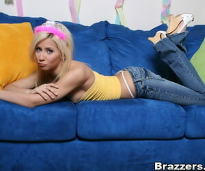 Teen babe Madison Ivy posing lay bare elbow the party less statute the brush hot exasperation