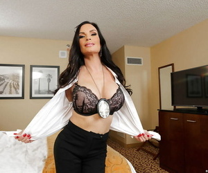 Matuee murkiness Diamond Foxxx somewhat takes retire from their way rags on cam