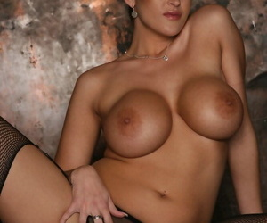 Sexy MILF in office uniform Carmella Bing spreads her dirty pussy