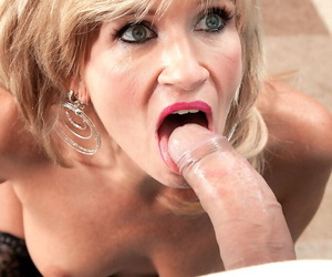 Middle-aged blonde dame Glassware Jewels sucks withdraw their way younger lover