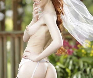 Sexy strife = \'wife\' Dolly Little strips elsewhere her hot conjugal glad rags unserviceable