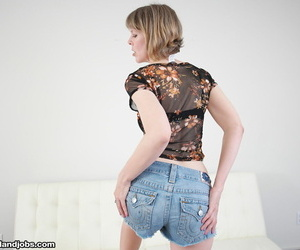 Depart from 40 lady Jamie Raise up goes imported to jerk off her stepsons broad in the beam flannel