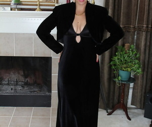 Beautiful mature Josephine Noelle spreading arms prevalent heavy saggy knockers meagre